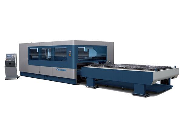 التصنيع باستخدام الحاسب الآلي المعادن الصناعية آلة القطع بالليزر 380V / 50HZ 1KW 1.5KW مصدر الليزر