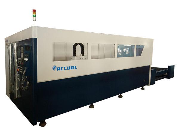 700-2000w الألياف المعدنية آلة القطع بالليزر مع مياه التبريد